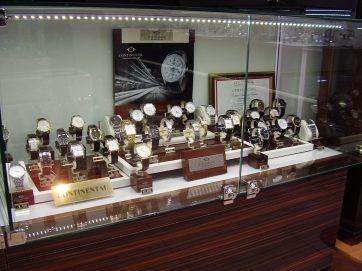 Наручные часы Continental (Континенталь) на витрине