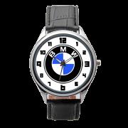 Часы с логотипом на циферблате